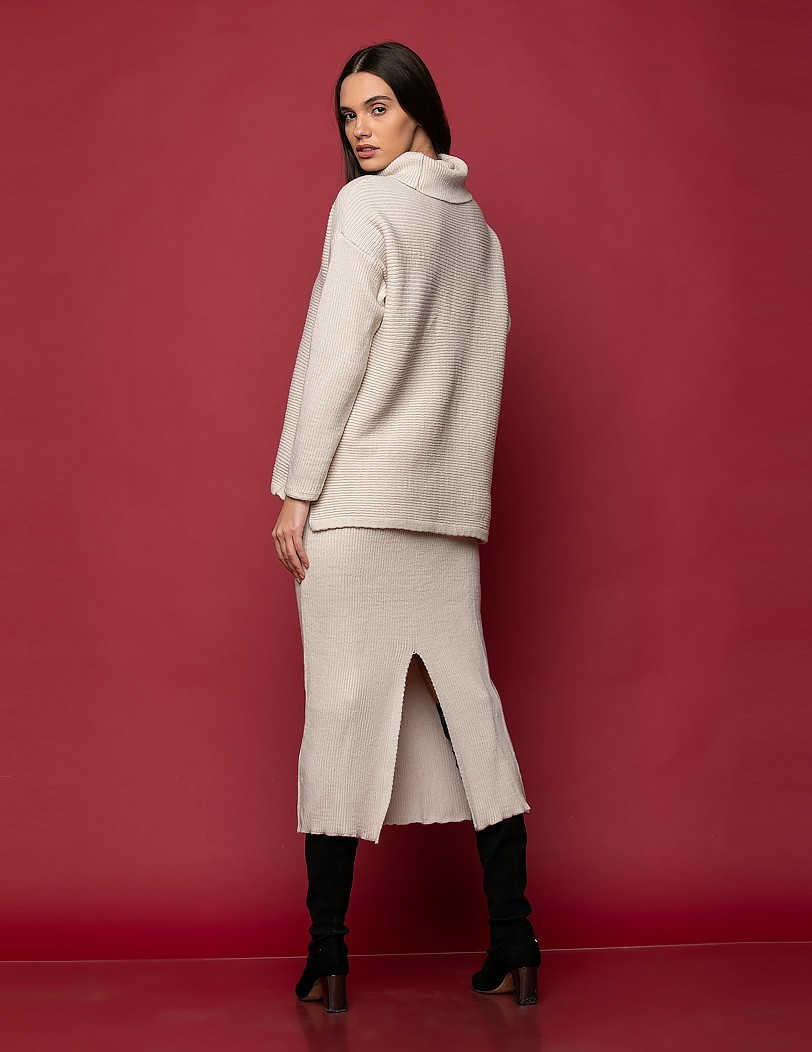 SET SWEATER WITH SKIRT